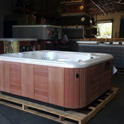 2006 Prodigy H2H1197 hot tub with pearl interior under florescent lights