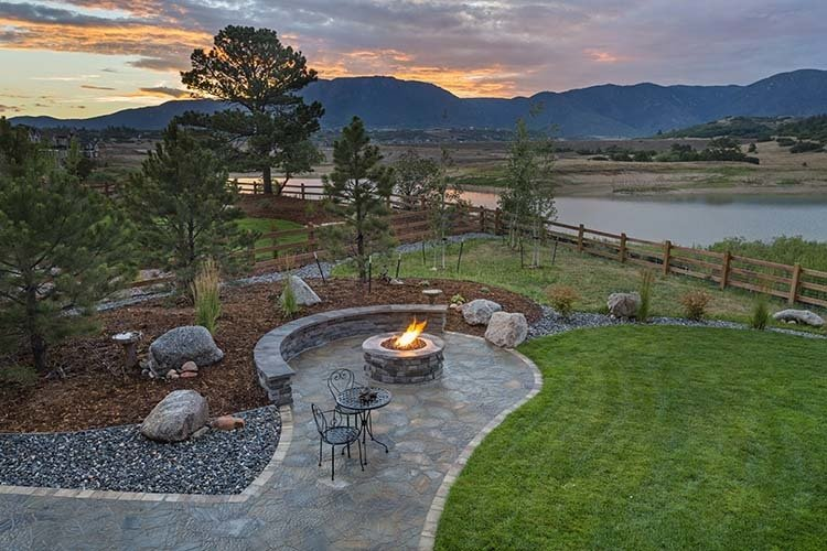 beautiful backyard with gas fire pit