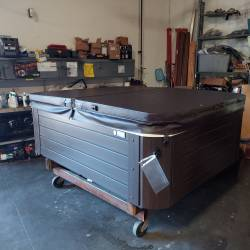2014 Jetsetter JJ4S1046 Hot Tub with Cover